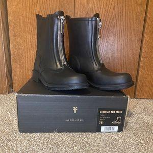 NIB Frye Rain Boots
